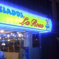 Foto tomada en Heladeria La Rosa por Javier G. el 6/8/2012