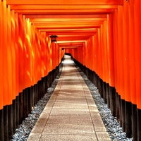 Photo taken at Fushimi Inari Taisha by Hans H. on 6/29/2012