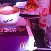Photo taken at McDonald's / McCafé by ,7TOMA™®🇸🇬 S. on 5/26/2012