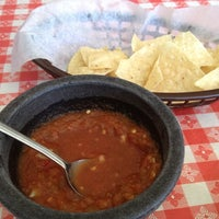 Das Foto wurde bei Jalisco Cafe von Carol S. am 5/2/2012 aufgenommen