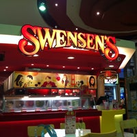 Photo taken at Swensen's by Natty M. on 2/27/2012