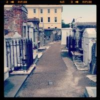 Снимок сделан в St. Louis Cemetery No. 1 пользователем Rey Q. 4/5/2012