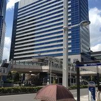 Photo taken at 品川駅港南口バスターミナル by BJ Y. S. on 8/5/2012
