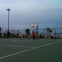 Photo taken at Bostanlı Basketbol Sahası by Musti G. on 5/21/2012