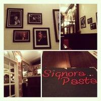 Photo prise au Signora Pasta par Choo C. le8/25/2012