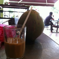 Photo taken at Restoran Nisma by Mista Z. on 3/13/2012