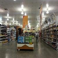 Foto tirada no(a) Giassi Supermercados por Cleyton S. em 9/3/2012