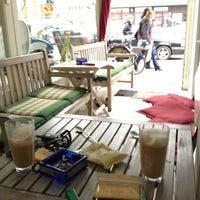 Das Foto wurde bei Café Estoril von Christopher B. am 3/2/2012 aufgenommen