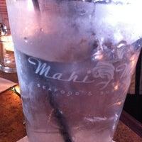 Photo taken at Mahi Mah's Seafood Restaurant by kHIzMAn .. on 5/31/2012
