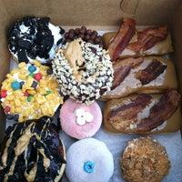 Снимок сделан в Voodoo Doughnut Too пользователем Spencer S. 9/9/2012