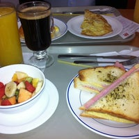 Photo taken at Baguette by Antonio H. on 7/30/2012