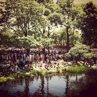 5/19/2012 tarihinde Tammy Z.ziyaretçi tarafından The Esplanade'de çekilen fotoğraf