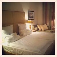 Das Foto wurde bei AMERON Hotel Regent Köln von Mariapia C. am 7/19/2012 aufgenommen