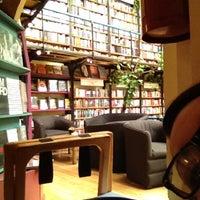 Photo taken at Cafebrería El Péndulo by Marisol C. on 8/4/2012