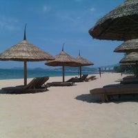 Photo taken at Sheraton Beach by Maxi on 5/21/2012