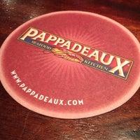 Das Foto wurde bei Pappadeaux Seafood Kitchen von Sh'Rhonda G. am 5/1/2012 aufgenommen