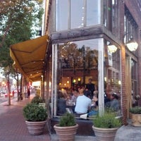 Foto tomada en Zuni Café por Ziyan C. el 6/13/2012