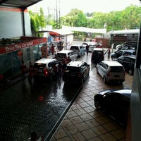 Photo taken at in N out Drive Thru Car Wash by HD Z. on 4/29/2012