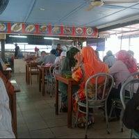 Photo taken at Restoran kawanku bangsar by Love R. on 4/23/2012