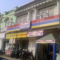 Photo taken at Indomaret Puri Gading by Dody Kusuma m. on 4/22/2012