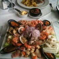 Foto tomada en Restaurante Puntamai por Carlos B. el 3/26/2012