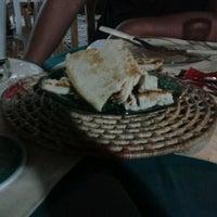Photo taken at Pizza's by Lucas Eduardo O. on 6/6/2012