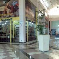 Foto tirada no(a) Shopping do Calçado de Franca por Bittencourt Leon J. em 4/23/2012
