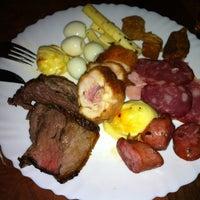 Photo taken at Restaurante Tradição de Minas by Priscila O. on 4/14/2012