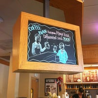 Photo taken at The Coffee Bean & Tea Leaf by Tracy C. on 7/28/2012