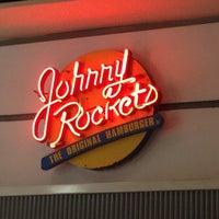 Foto tirada no(a) Johnny Rockets por Daco P. em 6/29/2012