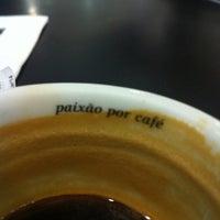 Photo taken at Café Do Ponto by Dodda L. on 7/25/2012