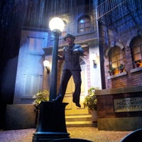 Photo taken at The Great Movie Ride by Luis G. on 8/25/2012