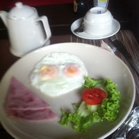 Photo taken at Rose Hip Dining Space @ Rose Hotel by Joey B. on 4/15/2012