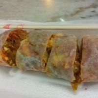 Photo taken at Restoran Kam Wan (金山冬菇亭) by Jeannie T. on 4/28/2012