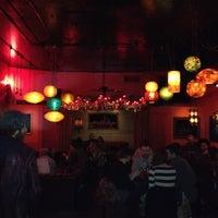 Foto tirada no(a) Casanova Cocktail Lounge por Richard D. em 5/4/2012