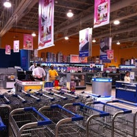 Photo taken at Extra by mohammed a. on 3/23/2012