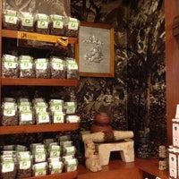 Foto tomada en Ah Cacao Chocolate Café por Joe D. el 7/20/2012