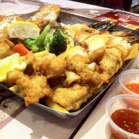 Photo taken at The Manhattan Fish Market by Steve' J. on 3/18/2012
