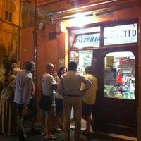 Foto scattata a Da Baffetto da NoOra A. il 7/18/2012