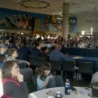3/11/2012 tarihinde Evan C.ziyaretçi tarafından Leo O'Donovan Dining Hall, Georgetown University'de çekilen fotoğraf