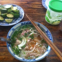 Photo taken at Phở Cồ by Choi S. on 9/5/2012