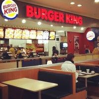 Foto tirada no(a) Burger King por Paulo S. em 6/22/2012