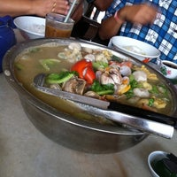 Photo taken at Restoran Hoong Wan by I am Genesis on 5/13/2012