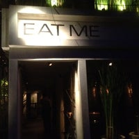 Photo taken at Eat Me by Yoav S. on 6/13/2012