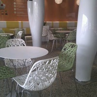 Photo taken at Pinkberry by TyriL G. on 5/11/2012