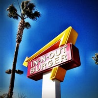 Photo taken at In-N-Out Burger by Harry B. on 2/23/2012