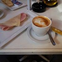 Foto tomada en Cafetería O'Hara por Carlos F. el 9/4/2012