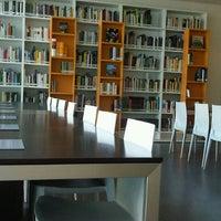 Photo taken at Mediateca Parque de las Ciencias by Almudayna P. on 9/11/2012