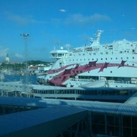 Photo taken at West Harbour / West Terminal by Сергей А. on 7/17/2012