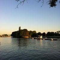 Photo taken at Bell & Crown by Benjamin W. on 7/23/2012
